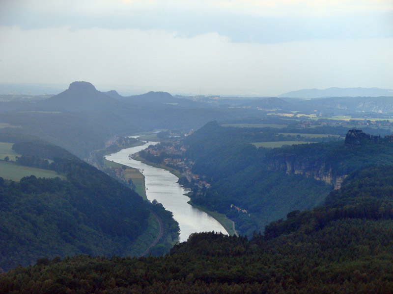 Foto: Tino Büttner - Blick in das Elbtal bei Bad Schandau